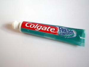 colgate_toothpaste1